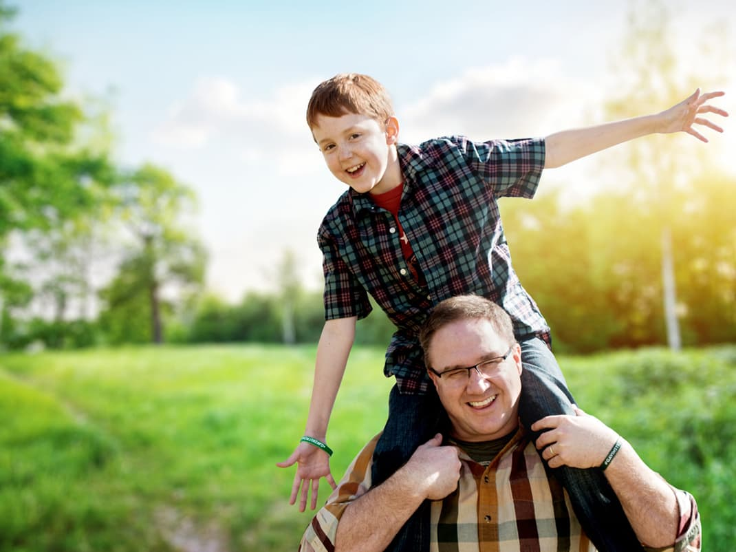 Mid-America Transplant Organ Recipient Photo – Boy with Father