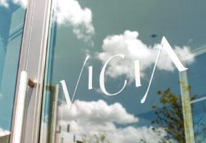Vicia vinyl door sign