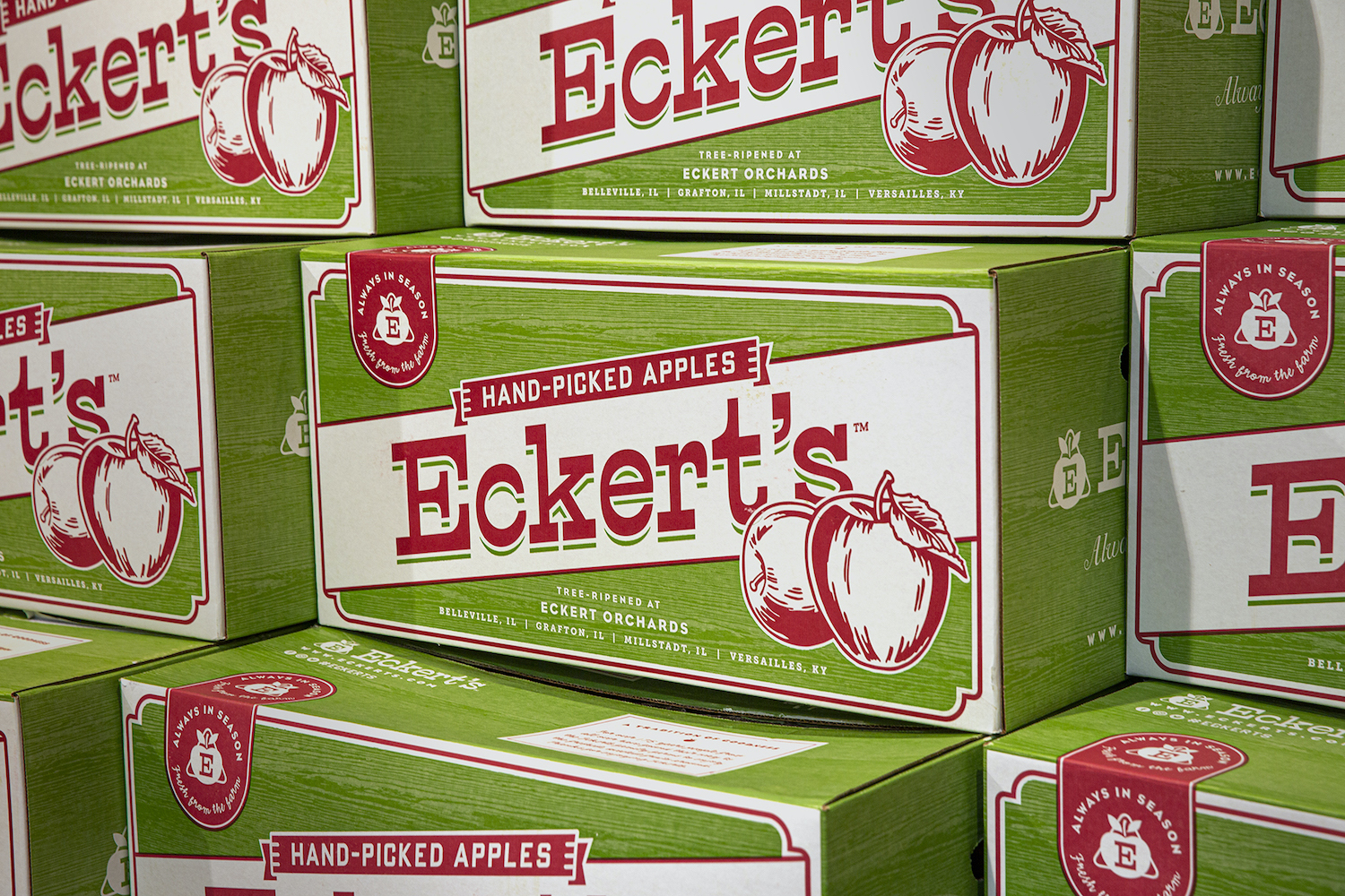 Branded apple boxes for Eckert's Farms